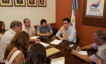 Gremios docentes consideraron positiva la propuesta salarial del Gobierno Provincial