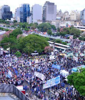 Más de 400 mil personas marcharon contra el ajuste