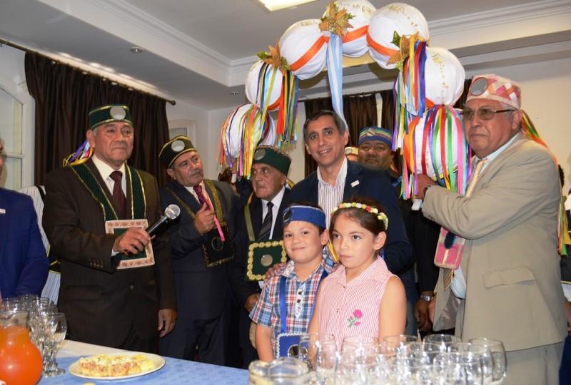 Paredes Urquiza recibió a los allis en el Palacio Municipal