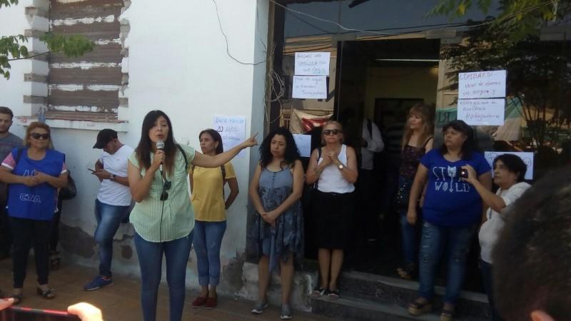 Despedidos en Radio Nacional: Gran muestra de solidaridad de los comunicadores riojanos