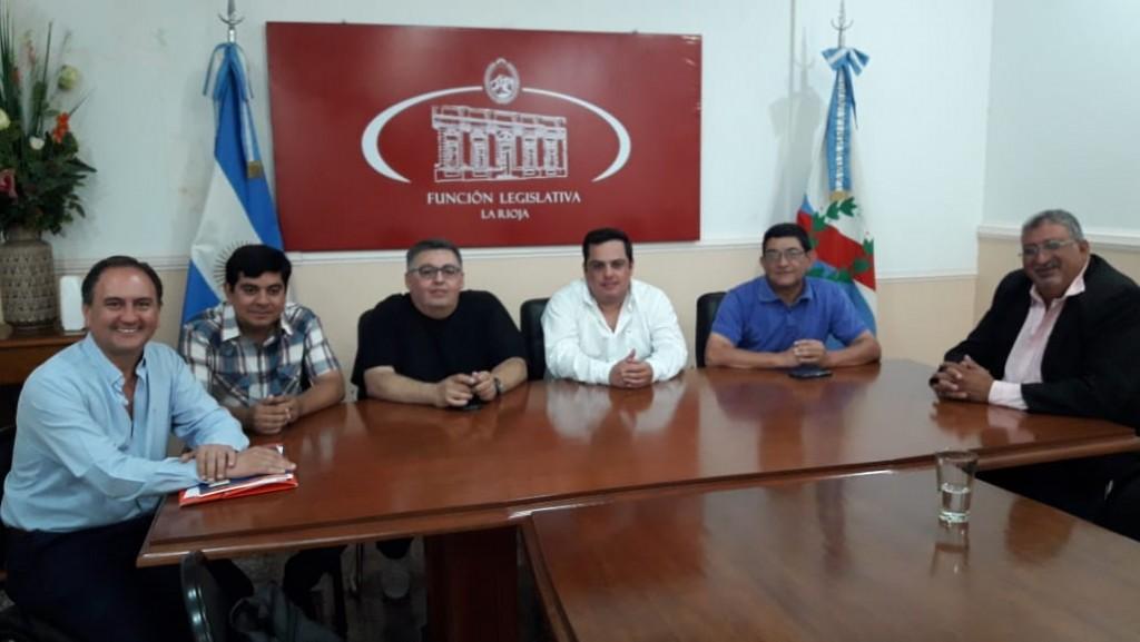 Diputados provinciales se reúnen con el ministro Rossi
