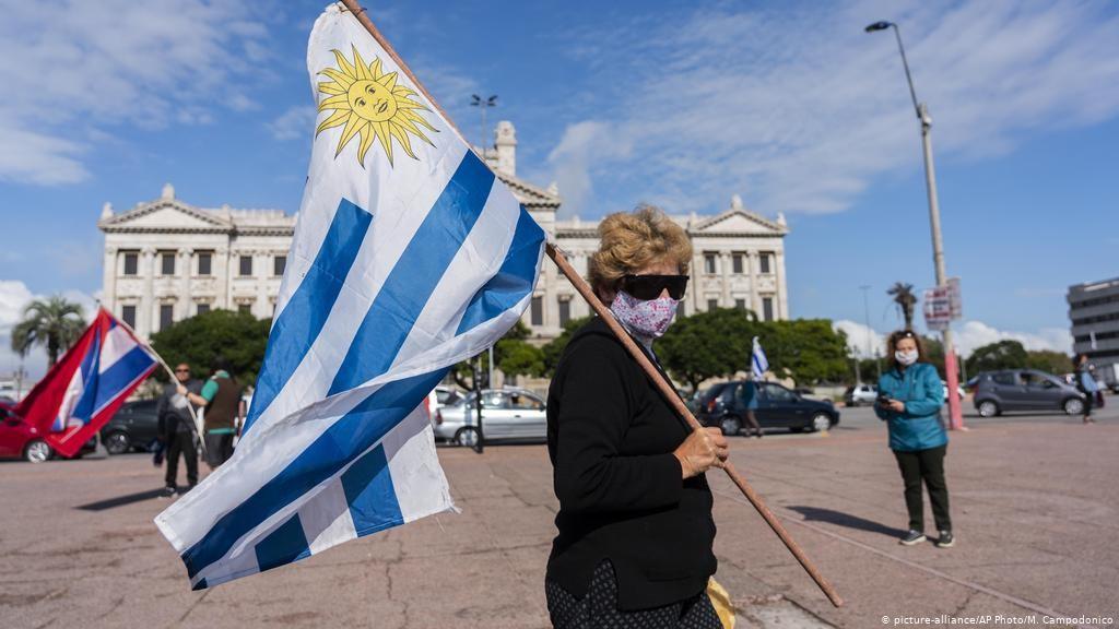 Uruguay supera las 500 muertes por COVID-19, la mitad de ellas en el último mes