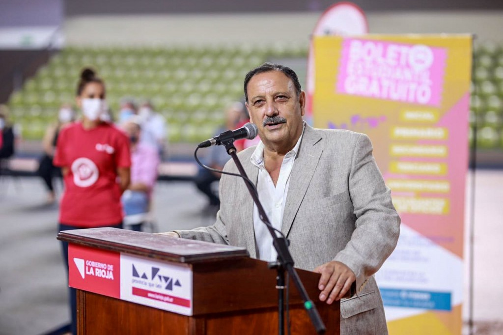 Quintela repudió la agresión a la comitiva presidencial en Chubut