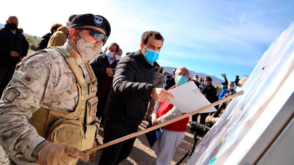 Chile marca récord de contagios por COVID-19 y cierra fronteras