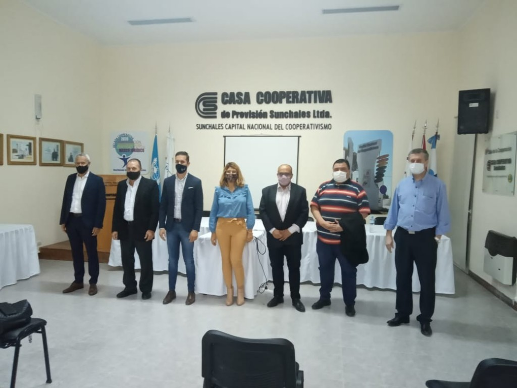 Funcionarios riojanos visitaron cooperativas santafesinas
