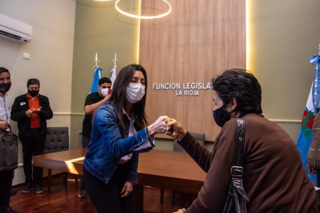Florencia López recibió a referentes de centros vecinales capitalinos
