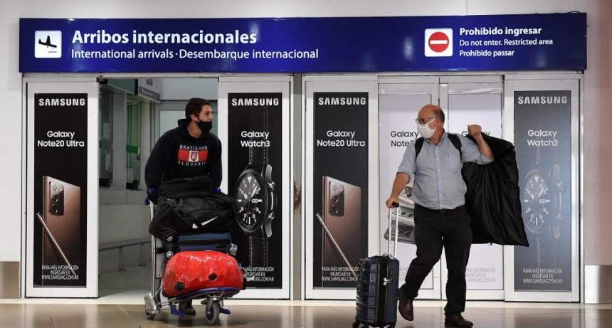 Nuevos requisitos para viajeros que regresan al país