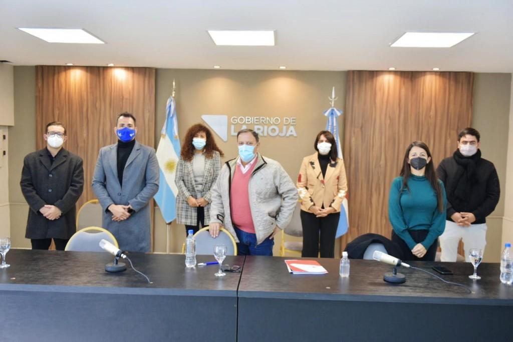 """Quintela presidió el lanzamiento de la Diplomatura en """"Turismo religioso, en clave cultural"""""""