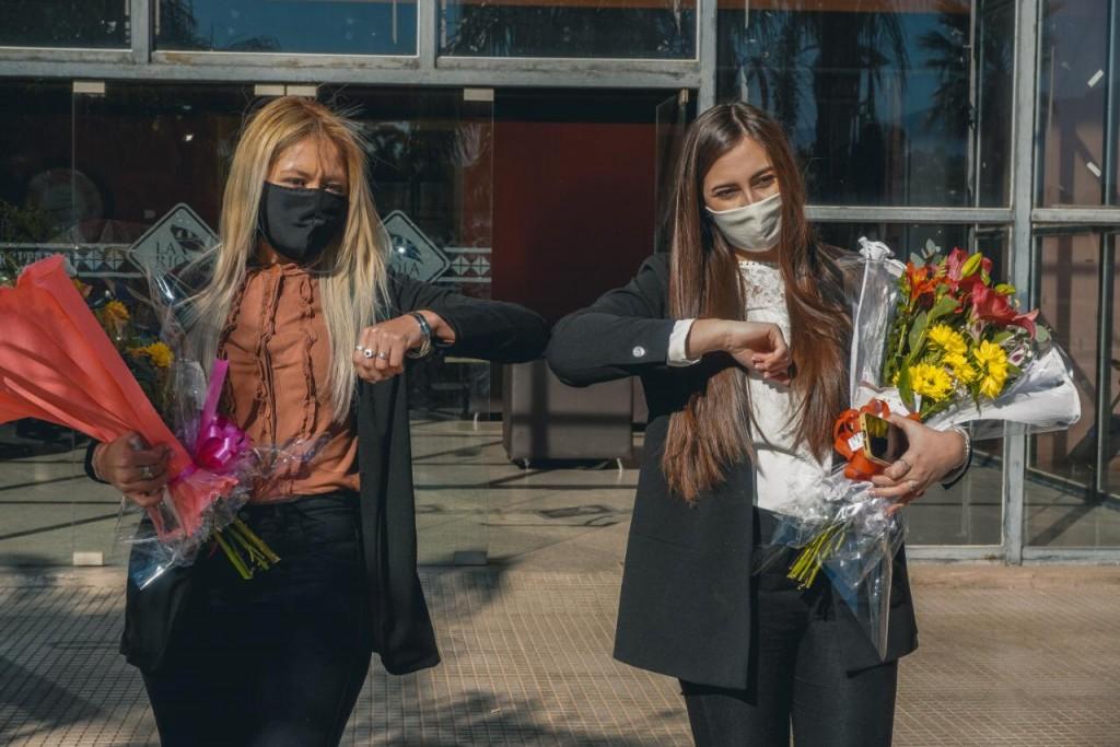 Dos nuevas graduadas en el contexto de la pandemia