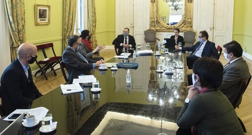 El Gobierno avanza en los detalles de la implementación del ATP 4, que se abonará en agosto