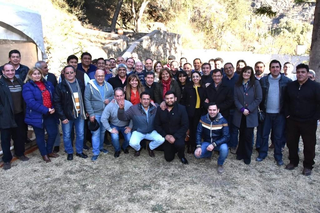 Casas expuso ante diputados e intendentes el proyecto del
