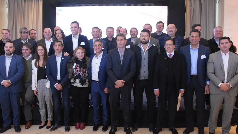 Paredes Urquiza participó de Encuentro de Intendentes de Nuevo Cuyo