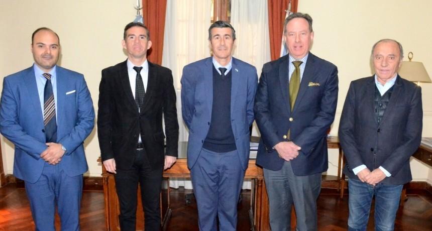Consul general de Uruguay se interesó por las potencialidades productivas de La Rioja y ATACALaR