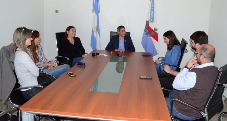 Paredes Urquiza recibió a autoridades de Recursos Hídricos de la nación