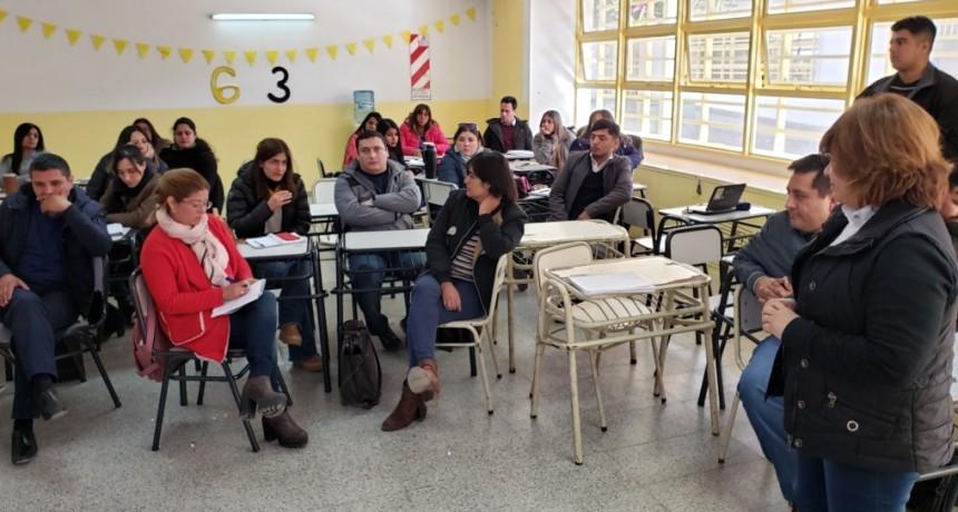 Pruebas Aprender 2019: Capacitan a docentes y directivos de escuelas secundarias