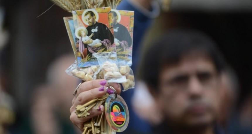 San Cayetano: Los movimientos sociales piden por