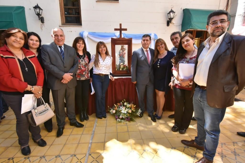 La Virgen del Rosario de San Nicolás visitó la Casa de Gobierno