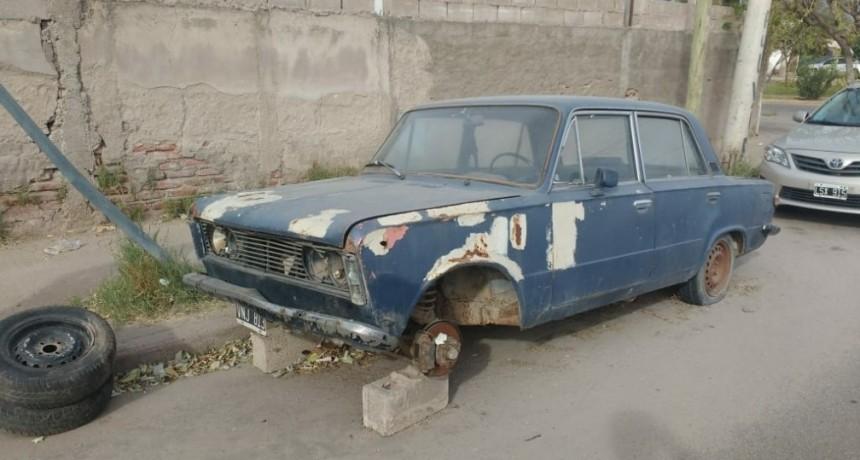 El municipio capitalino continua con operativos de levantamiento de vehículos abandonados en la vía publica
