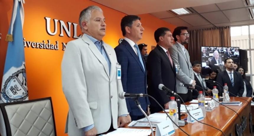 El gobernador Casas reclamó por el Presupuesto Universitario
