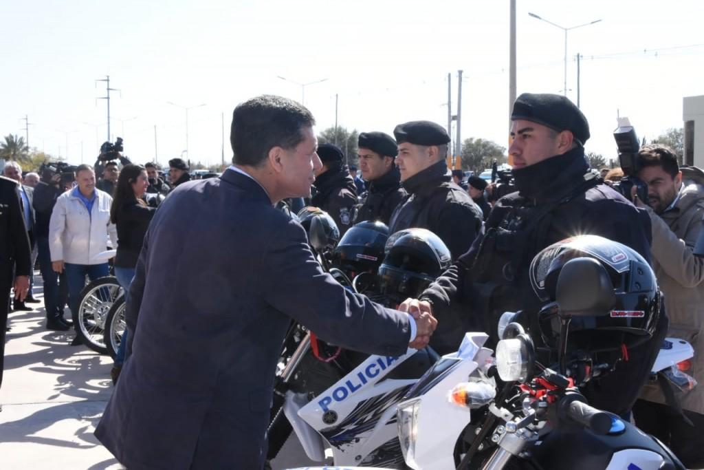 La policía recibió más de 120 vehículos