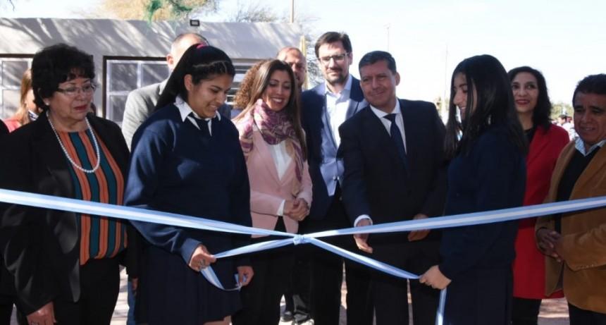 Casas celebró aniversario de escuela 108 de Bañado de los Pantanos