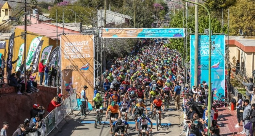 Sanagasta Corre en Bici debutó con mas de mil inscriptos