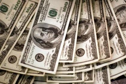 Este lunes los bancos vuelven a vender dólares a través del homebanking