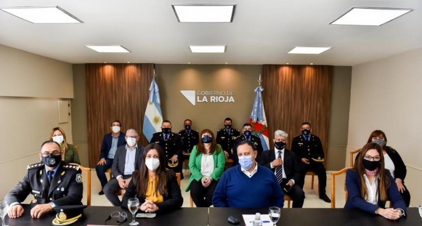 Quintela anunció un bono para la policía y el servicio penitenciario