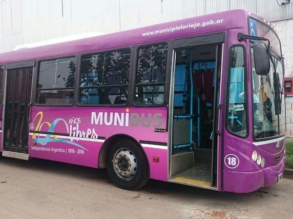 Chóferes de Munibus llegaron a un acuerdo con el Municipio y desde el lunes se reanudan los recorridos con un servicio de emergencia