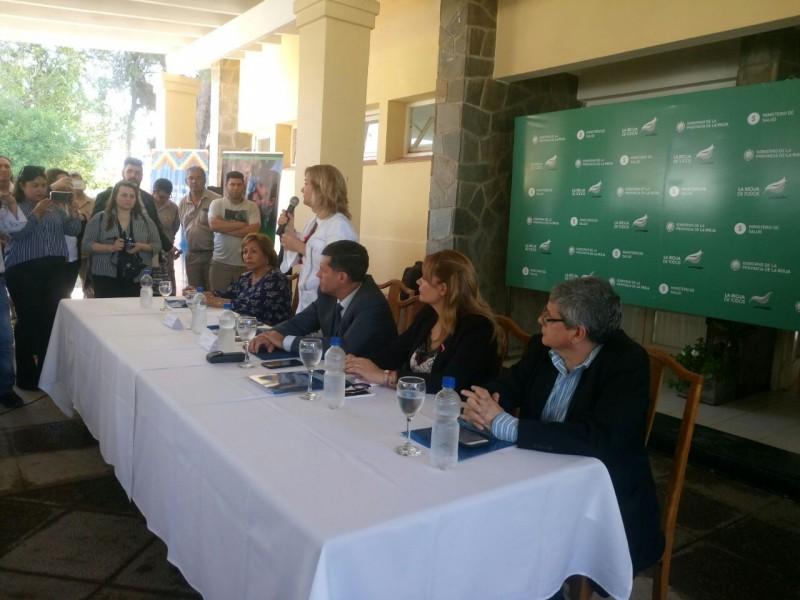 El ministerio de Salud entregó elementos a agentes sanitarios