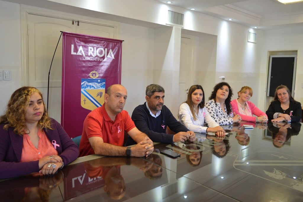 Municipio capitalino lanzó campaña para prevenir el cáncer de mama