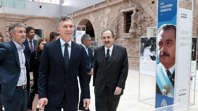 Macri homenajeó a Raúl Alfonsín en Casa Rosada