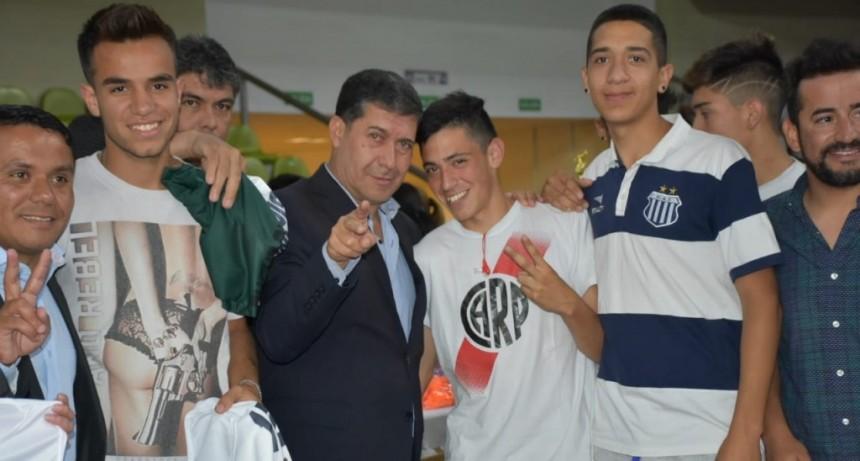Casas participó de la presentación del Primer Torneo de Futsal Mixto
