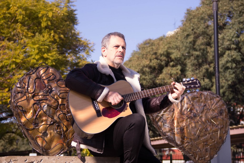 Guillermo Fernández compuso una canción para homenajear al personal de salud