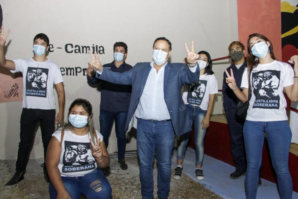 Quintela encabezó la inauguración de la plaza Néstor Kirchner