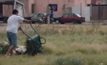 El municipio multó a vecinos por arrojar basura en la vía pública