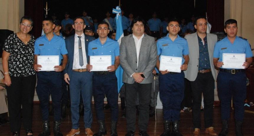 Designaron a 69 nuevos oficiales y agentes de la policía provincial