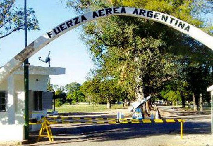 Pretenden instalar centro logístico de carga internacional en la Base Aérea de Chamical