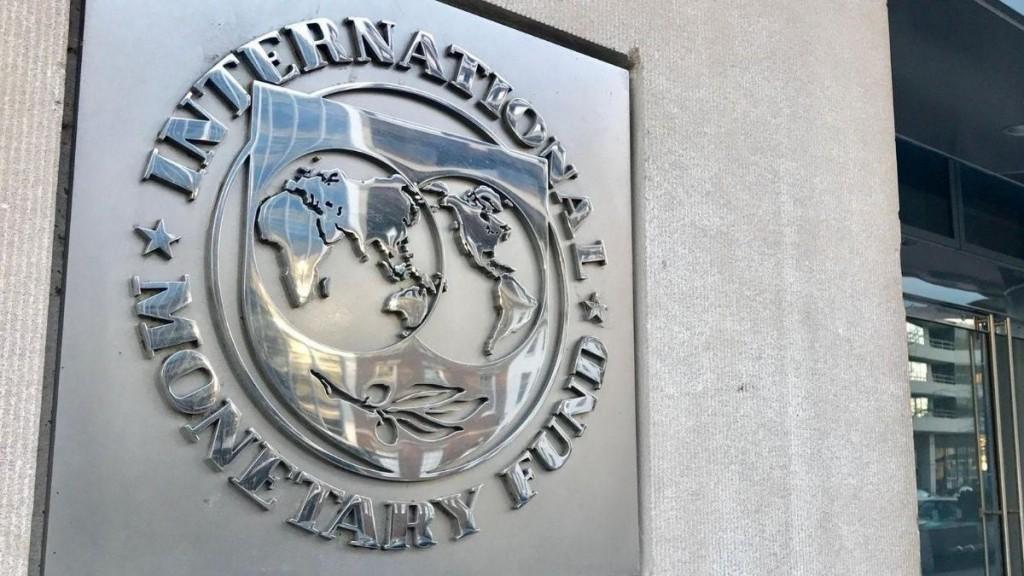 Martes día D: llega al país una misión del FMI para iniciar negociaciones formales por un nuevo programa