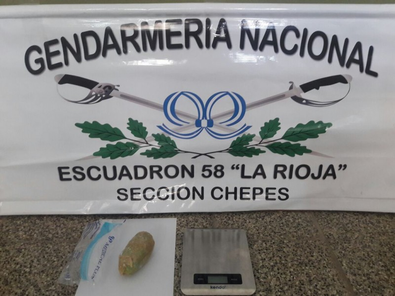Chepes: Detienen a mujer salteña que transportaba cocaína