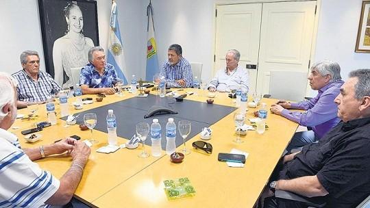 La CGT ratificó la continuidad del triunvirato