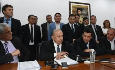 Legislatura Provincial: La Comisión de Asuntos Constitucionales impidió la asunción de Felipe Alvarez