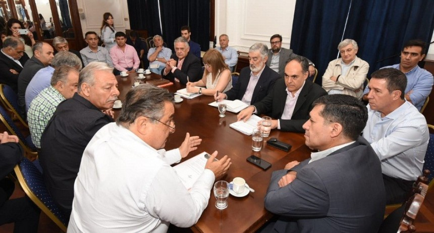 UNIR destacó la preocupación del gobernador por las industrias locales