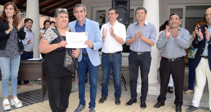 Paredes Urquiza valoró el trabajo de los municipales jubilados