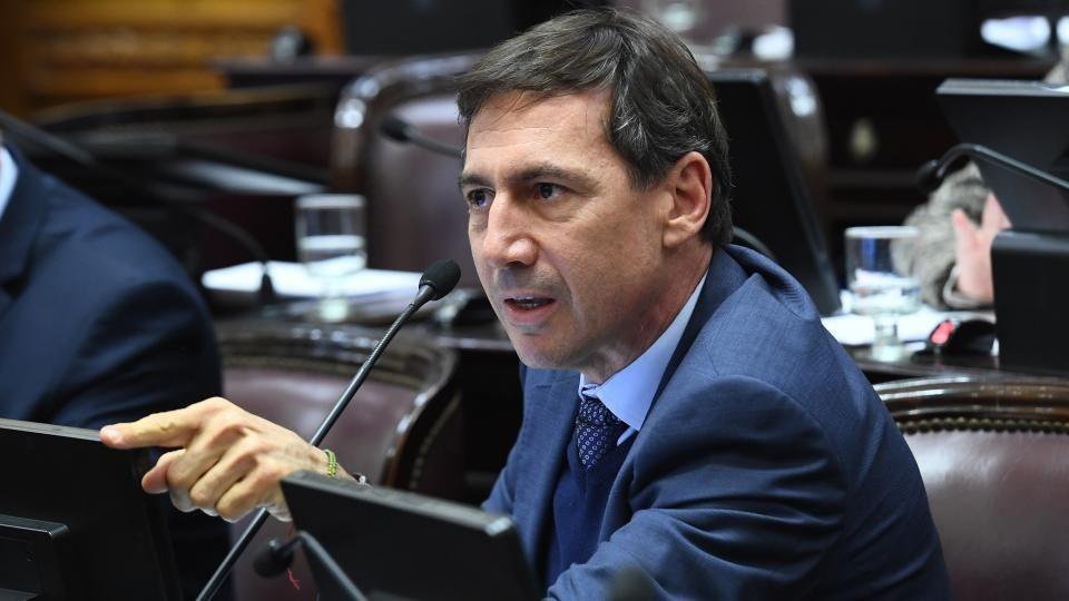 Naidenoff será jefe del interbloque de senadores de Cambiemos y titular del bloque de UCR
