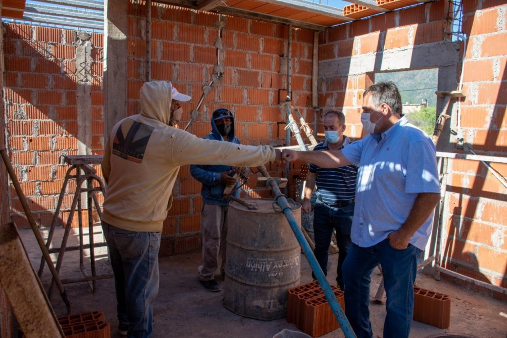 Puy Soria constató la construcción de viviendas en el Barrio Libertador