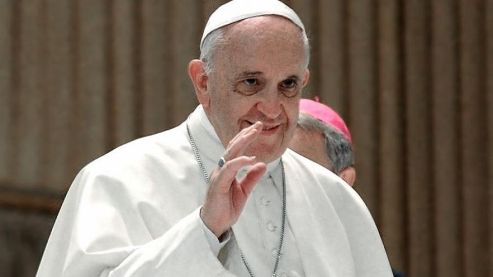 Francisco recibirá a un grupo de diputados de Cambiemos y el peronismo