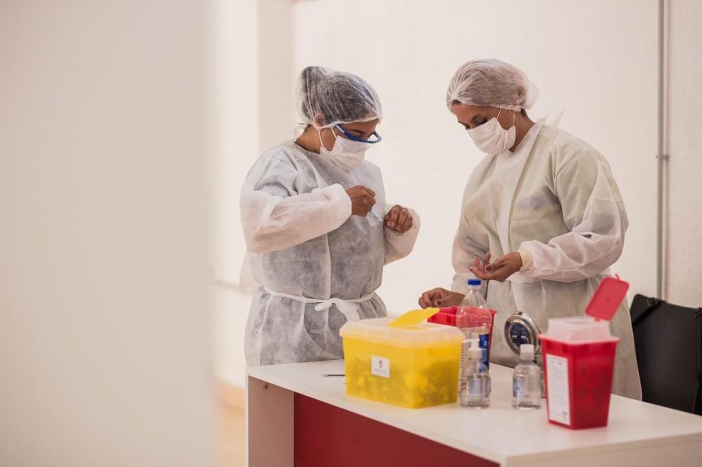 Salud informó que se esta vacunando a personas que se hayan inscripto o no mayores de 60 años con primera dosis