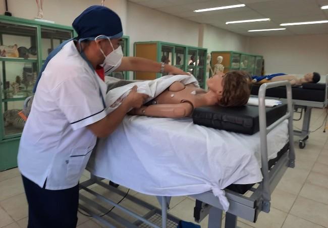Nación fortalece las carreras de Medicina y Enfermería de la UNLaR