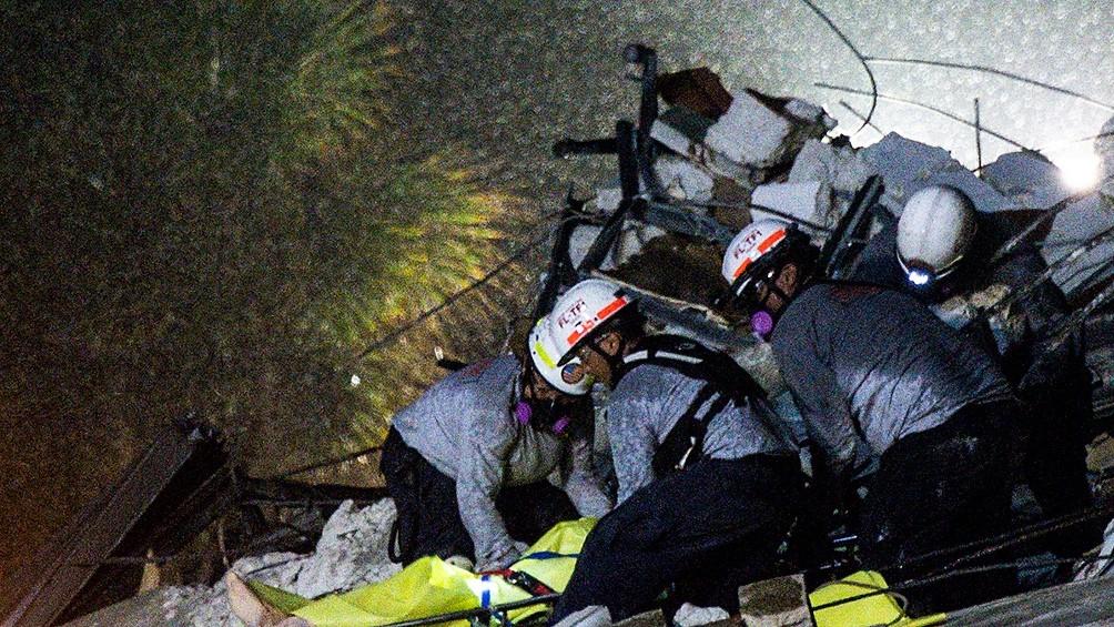 Ya son 10 los muertos por el derrumbe del edificio en Miami y hay 151 desaparecidos